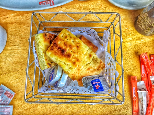 basket bread, italian restaurant